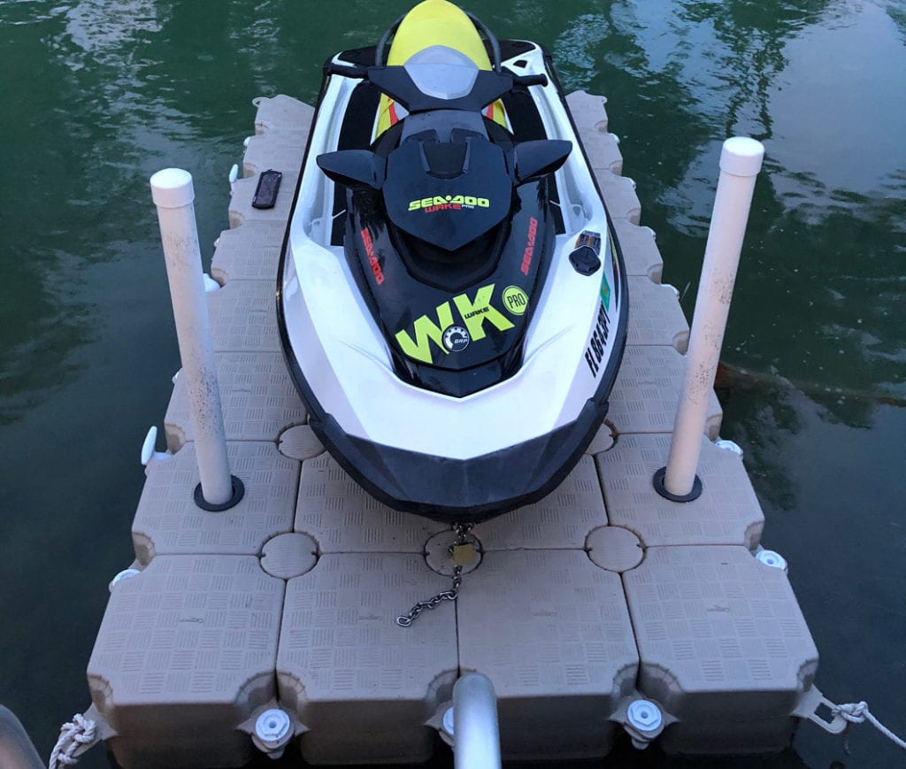 Candock floating dock for 1 jet ski