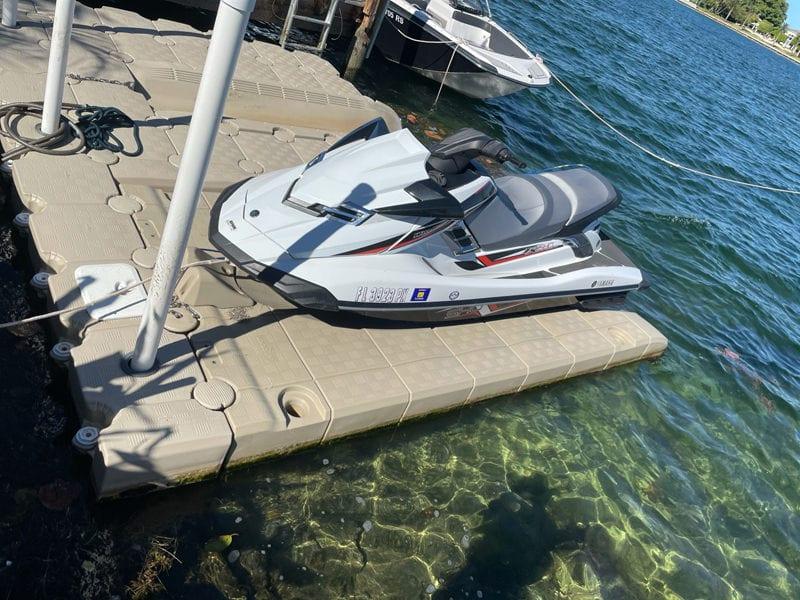 JetROLL next to a JetSLIDE: Candock systems for jet ski floating docks
