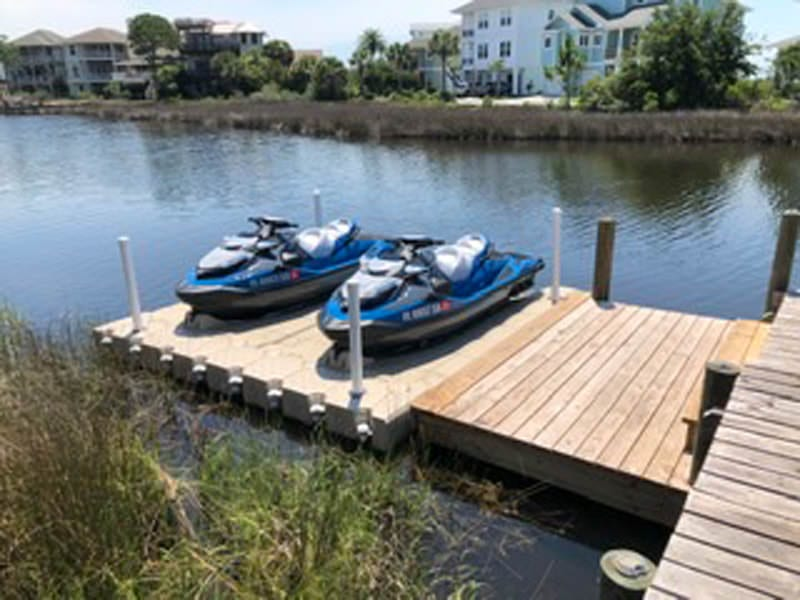 Floating dock for 2 jet skis